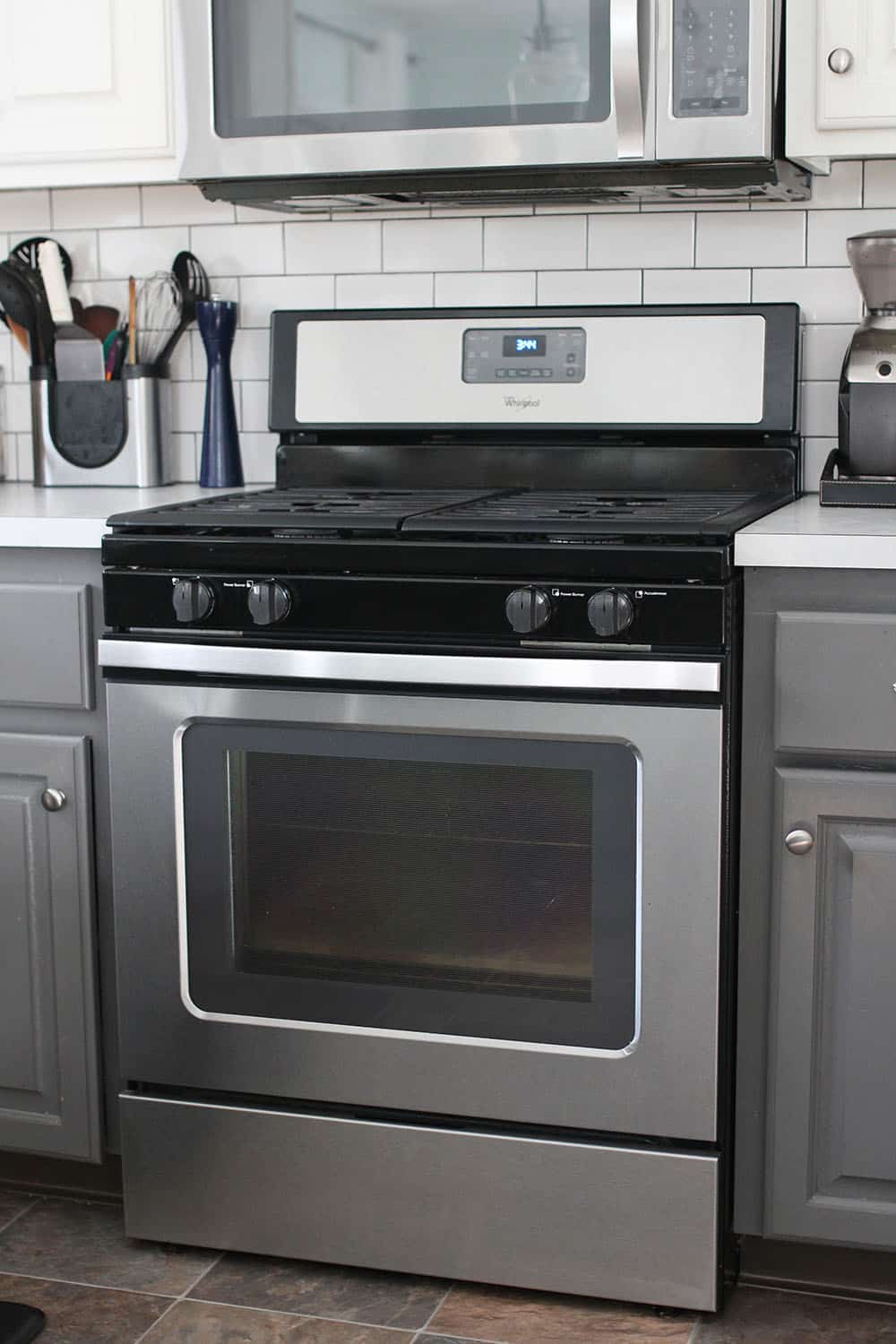gas range with continuous grates